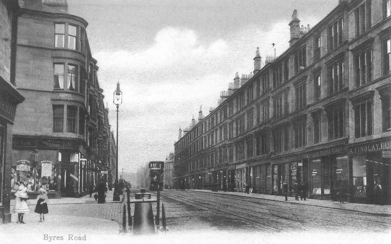 Looking north up Byres Road