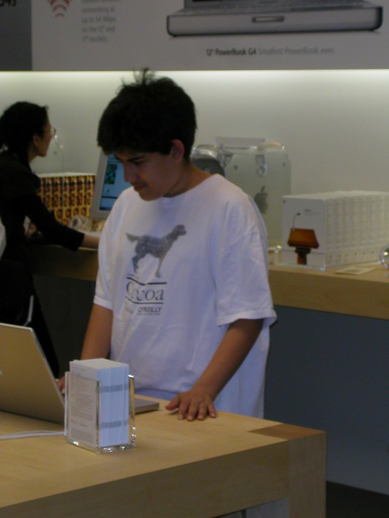 Aaron Swartz at the opening of the Michigan Avenue Apple store in Chicago